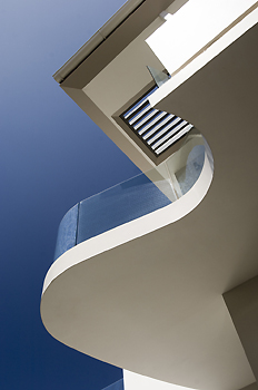 Curved balcony
